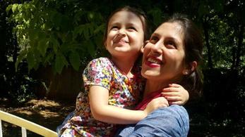 Újra börtönbe vitték Teheránban a brit-iráni asszonyt