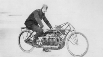 A Curtiss megcsinálja az elektromos V8-as motorkerékpárt