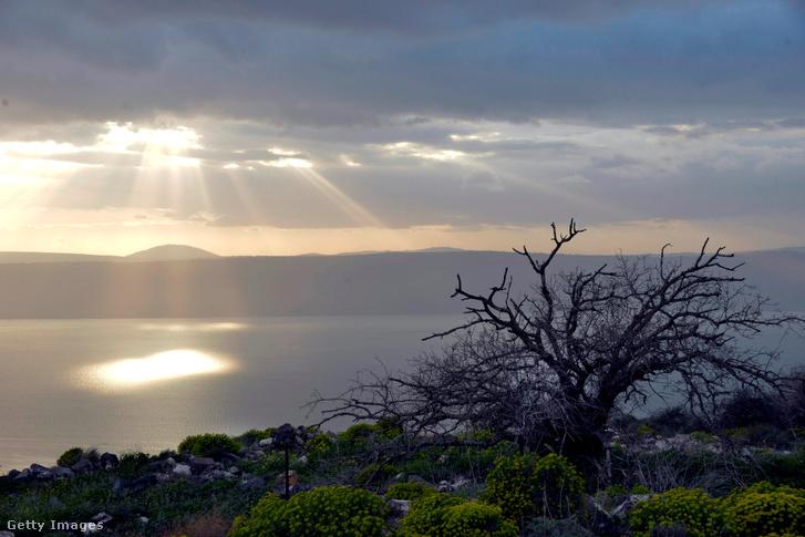 Galileai-tenger Izrael legnagyobb édesvizi tava. Más nevei: Kinneret-tó, Tiberias-tó, a Bibliában Genezáreti tó.
