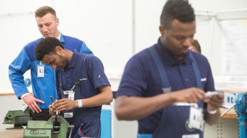 Financial Times: veszélyben a régiós növekedés a munkaerőhiány miatt