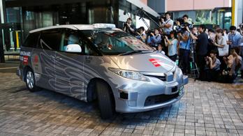Elindult az első önvezető taxi Japánban