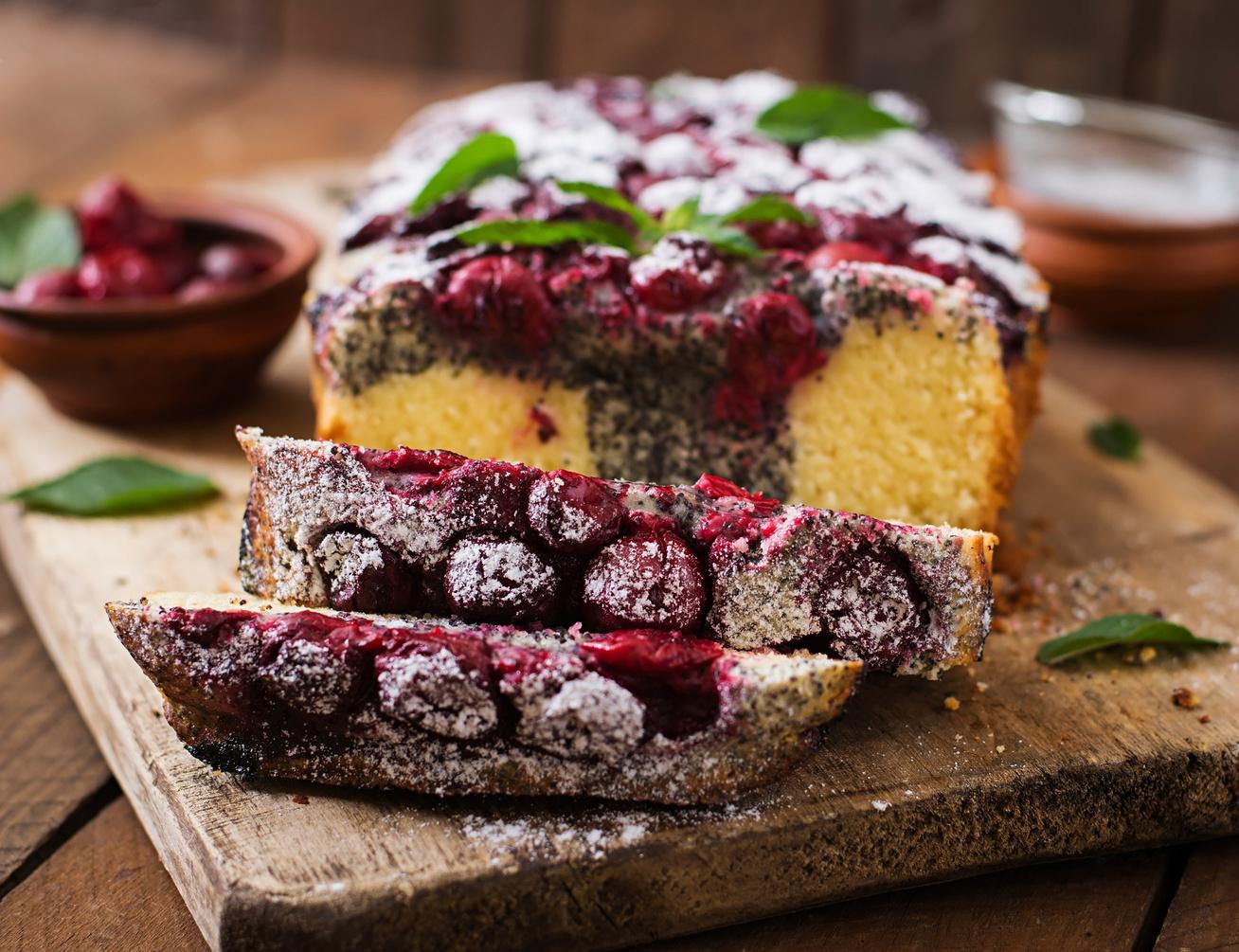 Tarka meggyes-mákos kevert süti: szuperkönnyű és isteni