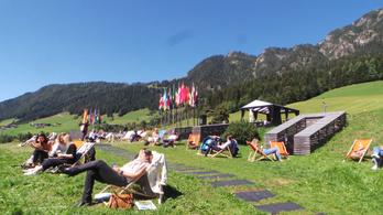 Krízishangulatban próbálja megfejteni a sorsát az EU-s elit az Alpokban