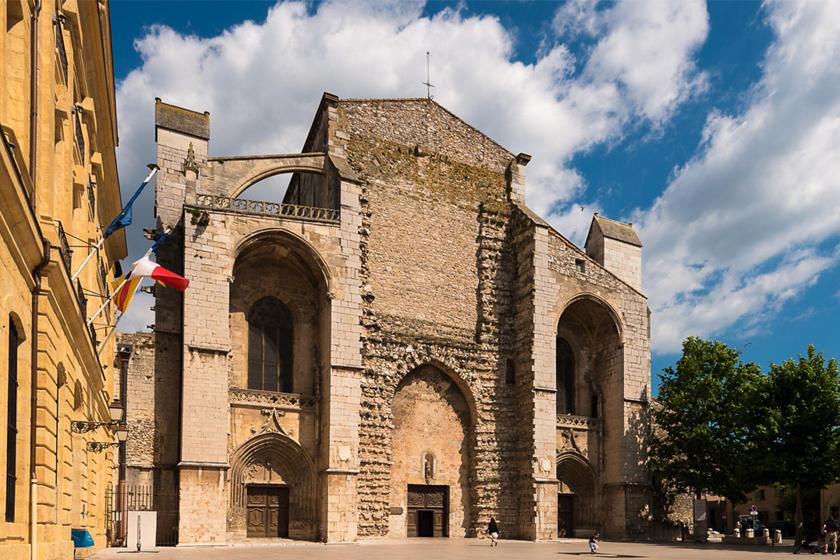 A franciaországi bazilika, ahol Mária Magdolna feltételezett koponyáját őrzik.