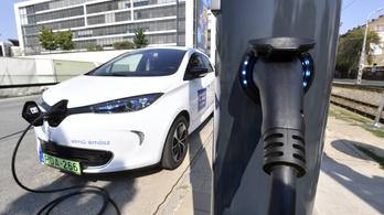 Októbertől egyszerűbben igényelhető az ingyenpénz elektromos autóra