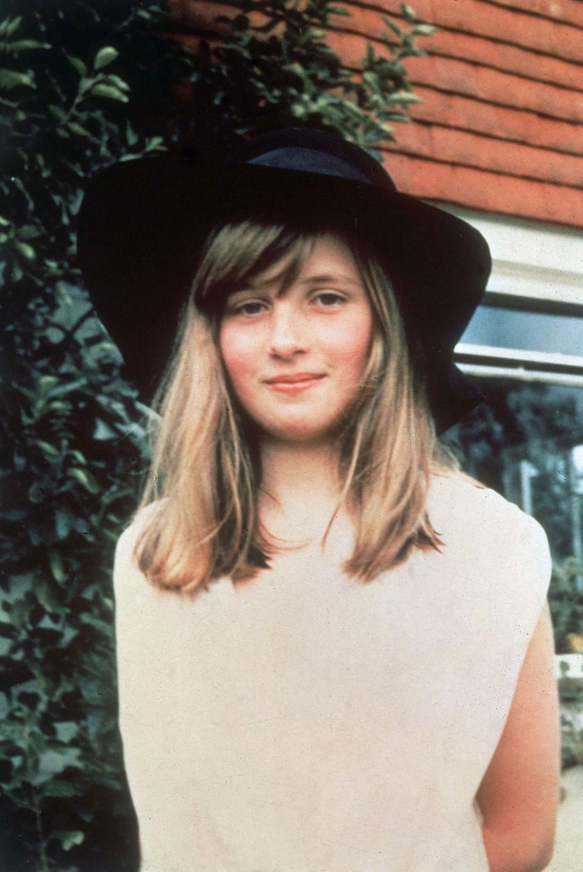 Diana hercegnő ilyen szép és bájos volt kislány korában - ekkor még hosszú haja volt.