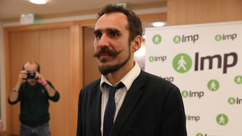 Ungár Péter párttársa szerint humánus ember nem érthet egyet migrációs témában a Fidesszel