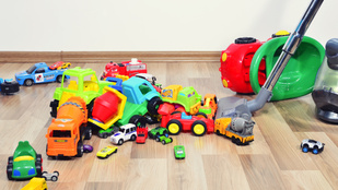Ezért nem érdemes túl sok játékkal elhalmozni a gyereket!