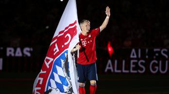 Érzelmesen búcsúzott a németek futballistene