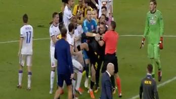 Lazovicsot a kezdőkörben rúgták hasba a meccs végén