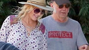 Úgy tűnik, összeházasodott Daryl Hannah és Neil Young