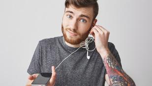 Így védekezhetsz az összegabalyodó fülhallgatók ellen