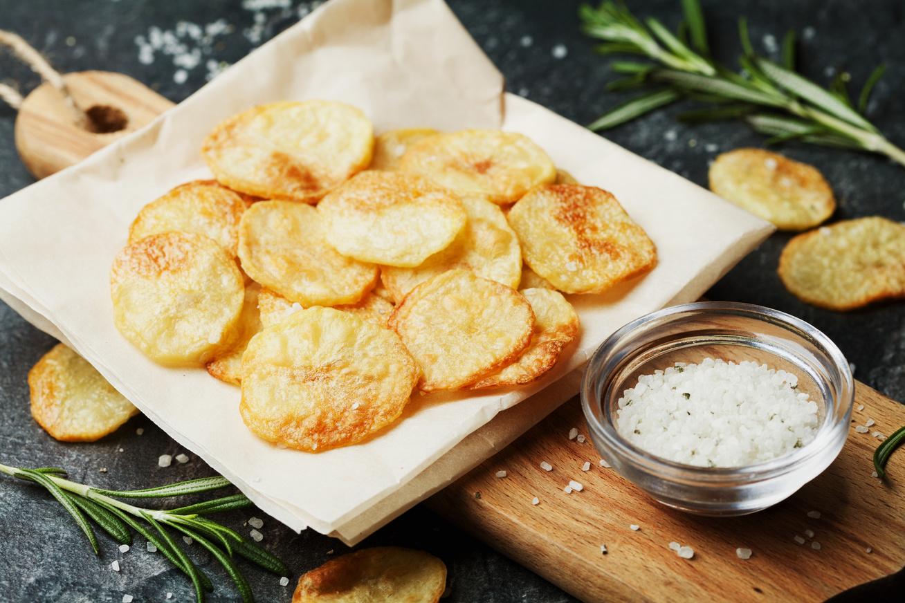 Filléres házi chips olaj nélkül: így lesz jó ropogós