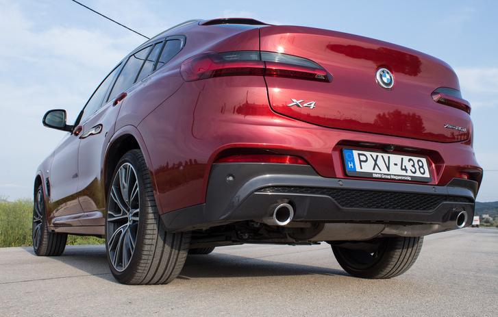 A BMW-nél nem érzik cikinek a fényezetlen műanyagot, maradt még belőle sok hátul