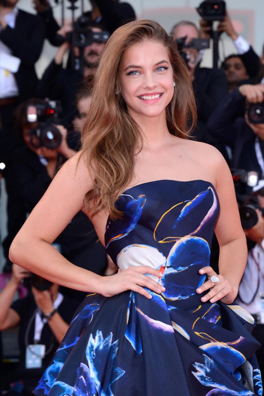 Palvin Barbara lenyűgözően nézett ki a a 75. Velencei Nemzetközi Filmfesztivál megnyitóján.