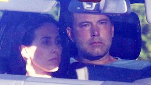 Ben Affleck magányosan iszogatott, és napokig nem evett, nem fürdött, mielőtt Jennifer Garner bevitte a rehabra