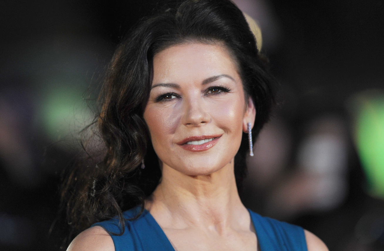 catherine-zeta-jones-csaladi-foto-cover