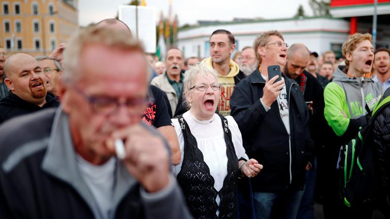 Közel ezren jelentek meg a chemnitzi szélsőjobbos tüntetésen