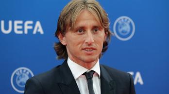 Modric Ronaldót és Szalahot előzve lett az Év játékosa az UEFA-nál
