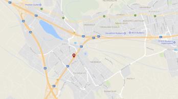 Szalagkorlátnak csapódott egy autó az M7-esen