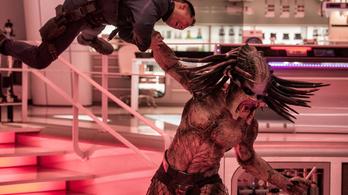 A Predator kettétépi az áldozatait, és úgy tűnik, marhára élvezi