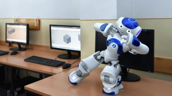 Palkovics László és egy robot nyitotta meg a szakképzési tanévet