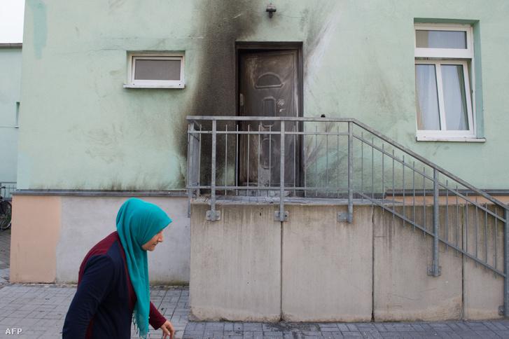 2016-ban Drezdában a város egyik mecseténél robbantott Nino K.