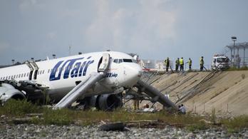 Folyóban landolt és kigyulladt egy orosz gép, sokan megsérültek