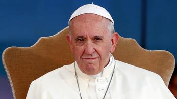 Ferenc pápa megelégelte az óceánokat szennyező több tonna műanyagot