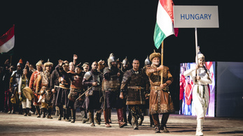 Orbán személyesen tekintette meg a nomád magyarok bevonulását Kirgizisztánban