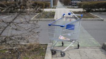 Reagált a kormány: nem tervezi újra bevezetni a vasárnapi boltzárat