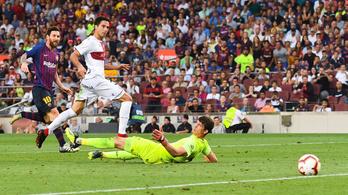Messi zsebre tette a labdát, a Barca az Huescát