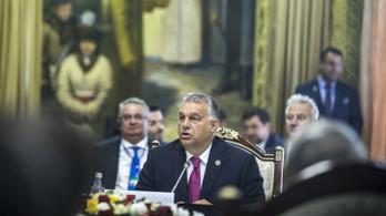 Orbán Kirgizisztánban: Megdőlt a régi világrend