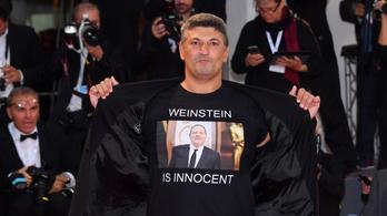 Weinsteint támogató pólóban ment filmpremierre egy rendező Velencében