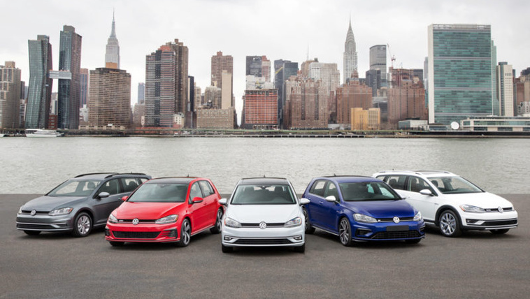 Kidob néhány Golf változatot a VW