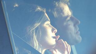 Ben Affleck új barátnője tagadja, hogy ő juttatta rehabra a színészt