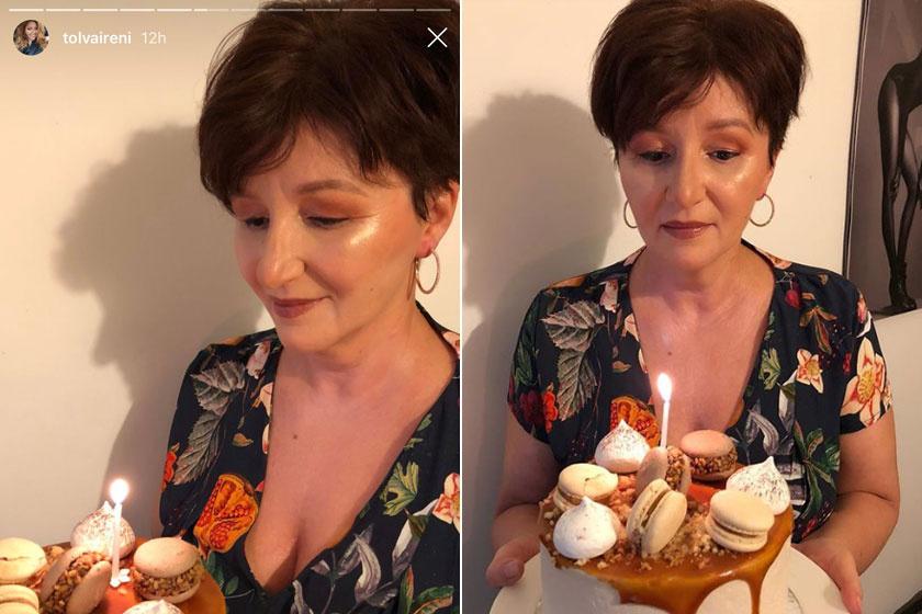 Tolvai Renáta édesanyja, Georgetta a hétvégén ünnepelte 53. születésnapját. Természetesen az énekesnő megörökítette anyukáját a tortájával.
