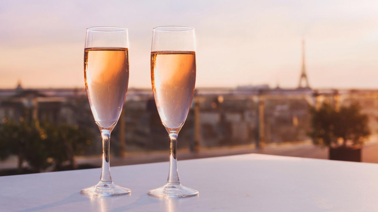 romantikus-pezsgo-parizs