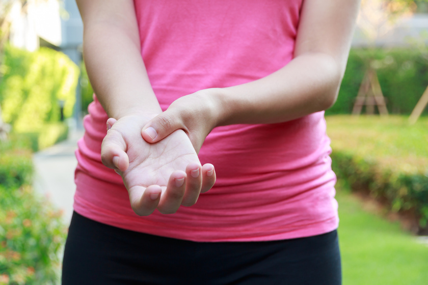 5 betegség, amit a megdagadt ujjak jeleznek először: súlyos következménye lehet
