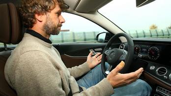 Ezért veszélyes a félig önvezető autó