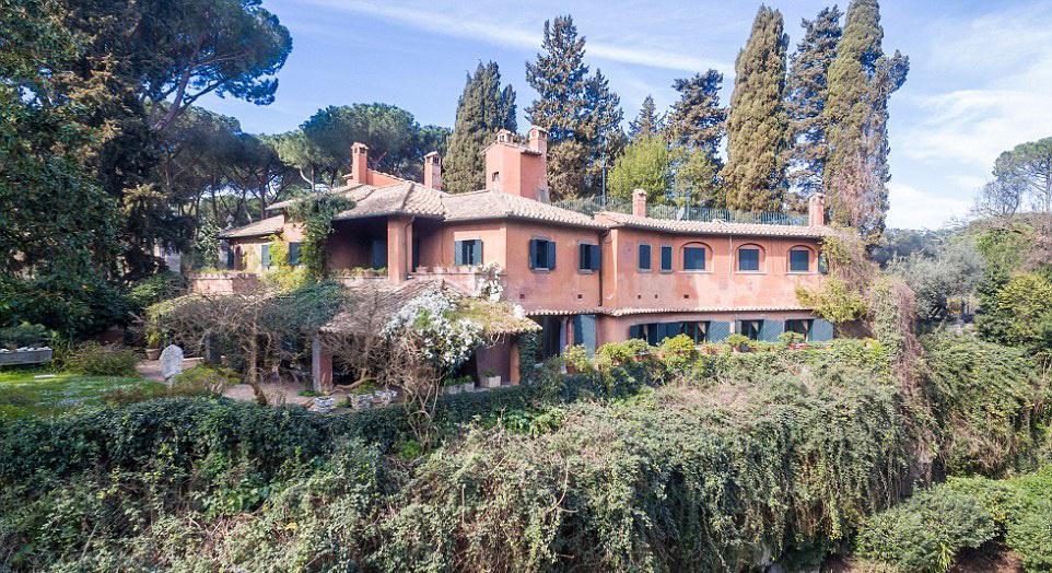 Carlo Ponti megígérte nejének, hogy házasságkötésük után a világ legszebb házába költöznek.