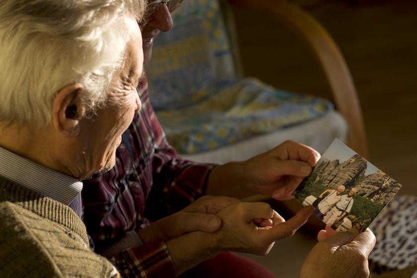 Az Alzheimer megmutatta, hogy a fényképek csak a hosszú távú emlékezetben élő történetekhez jelentenek kulcsot.