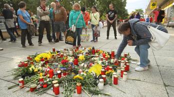 Újabb gyanúsítottakat keresnek a chemnitzi tüntetéssorozatot kiváltó késelés ügyében