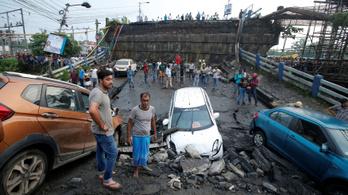 Leomlott egy autópályahíd Indiában