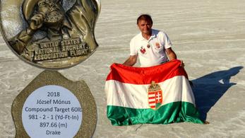 Mónus József 897,66 méterre lőtt íjjal, új világcsúcs