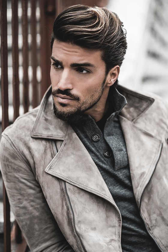 A tizedik helyet az olasz Mariano Di Vaio foglalhatta el. Modellként kezdte a karrierjét, most pedig leginkább bloggerként ismerik a 29 éves férfit.