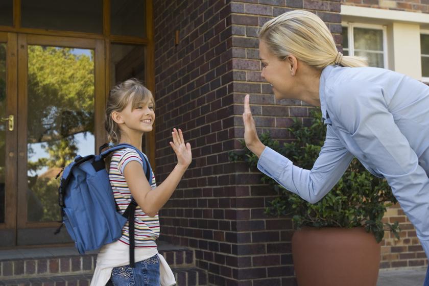 3 mondat, amire szomjaznak a gyerekek iskolakezdéskor: szülőként el kell mondanod