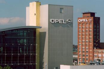 Megszabadul a felesleges Opel mérnököktől a Peugeot