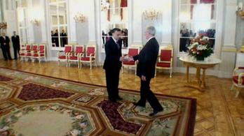 Orbán Viktor itt fog állni