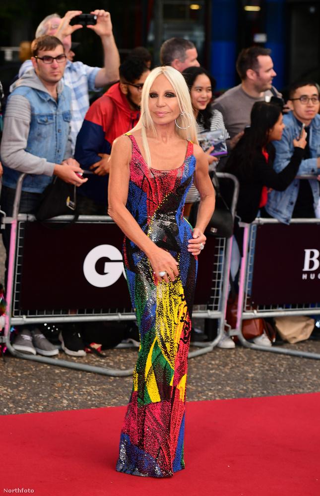 Donatella Versace se hiányozhatott az eseményről.